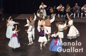 Grup de Danses La Xicalla de Catarroja en Sona la Dipu 2015. Foto de Manolo Guallart.