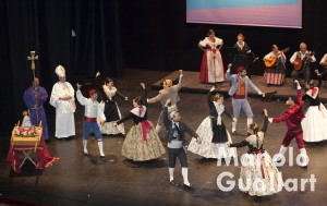 Grup de Danses La Senyera de Valencia en Sona la Dipu 2015. Foto de Manolo Guallart.