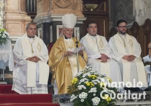 El arzobispo de Valencia, cardenal Antonio Cañizares, durante el pregón. Foto de Manolo Guallart