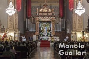 La parroquia de la Asunción de Lliria durante la eucaristía posterior a la bajada de San Miguel. Foto de Manolo Guallart.