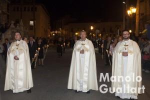Los párrocos de las tres iglesias de Lliria en la procesión de San Miguel. Foto de Manolo Guallart.