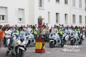 Grupo motorizado de la Guardia Civil ante la Virgen del Pilar. Foto de Manolo Guallart.