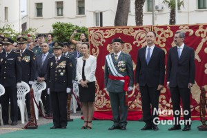 Autoridades civiles y militares valencianas en la festividad de la Virgen del Pilar. Foto de Manolo Guallart.