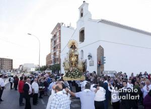 Llegada de la Virgen de los Desamparados a la ermita del Pilar en Casas de Bárcena. Foto de Manolo Guallart.