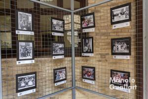 """Exposición fotográfica """"Cent anys de bona gent"""" del altar vicentino de Russafa. Foto de Manolo Guallart."""