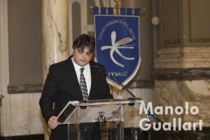 El músico Hugo Chinesta, pregonero de Moros y Cristianos. Foto de Manolo Guallart.