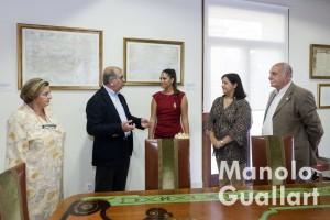 May Rieta, Salvador Arnau, Estefanía López, Mercedes de la Guía y Juan Arturo Devís en el MUMA. Foto de Manolo Guallart.