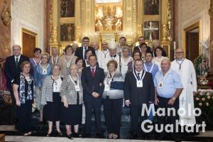 La cofradía Virgen del Rosario de Borbotó con las autoridades civiles y religiosas. Foto de Manolo Guallart.