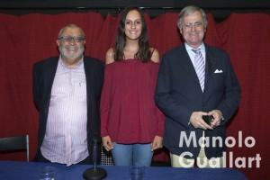Julio Tormo, Ana Mora (fallera mayor de Joaquín Costa-Burriana) y Ballester Olmos. Foto de Manolo Guallart.