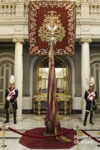 Real Senyera en el Salón de Cristal del Ayuntamiento de Valencia. Foto de Manolo Guallart.