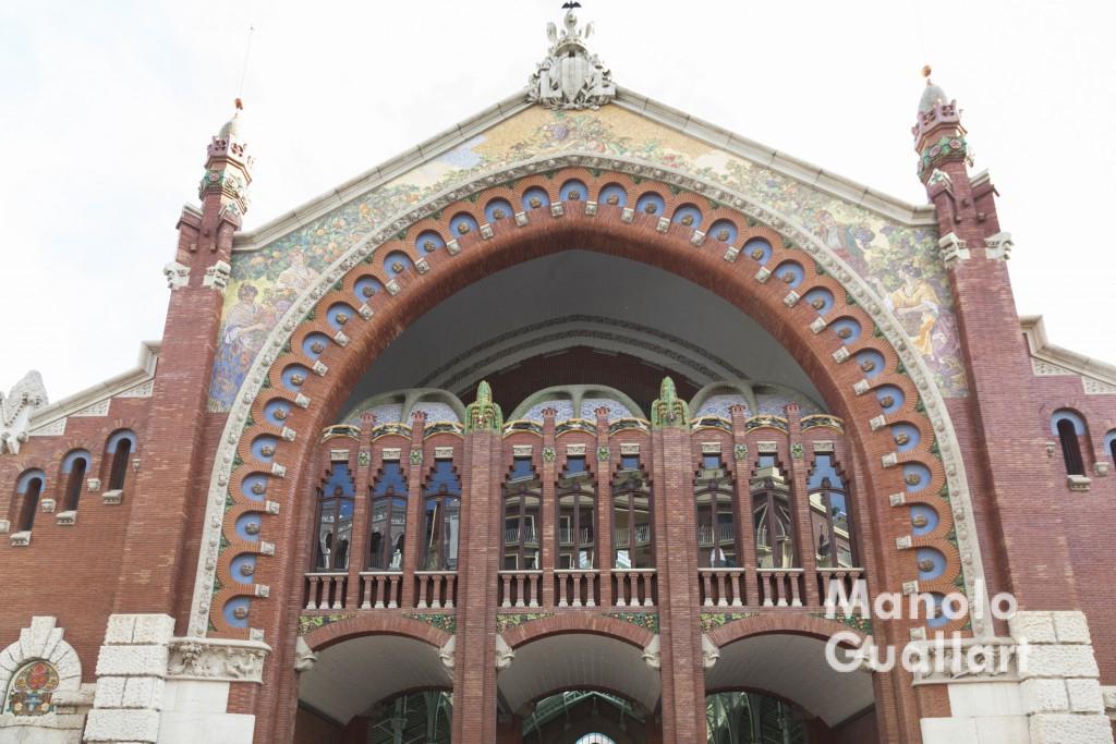 Fachada modernista del Mercado de Colón de Valencia. Foto de Manolo Guallart.