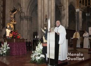 Palabras del José Luis Llopis, párroco de San Pedro Apóstol de Paterna en la celebración. Foto de Manolo Guallart.