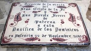 Recuerdo de la visita del Cristo de la Fe de Paterna a la Basílica de San Vicente Ferrer en Valencia. Foto de Manolo Guallart.