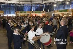 Música de banda para amenizar la Feria del Dulce artesano de Casinos. Foto de Manolo Guallart.