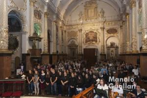 Envío de los jóvenes a su misión evangelizadora en la Nightfever Valencia. Foto de Manolo Guallart.