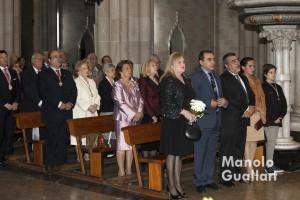 En primer término, Carmen de Rosa (Honorable Clavariesa) y Antonio Alpuente (secretario general de la JCV) en la Basílica de San Vicente Ferrer. Foto de Manolo Guallart.