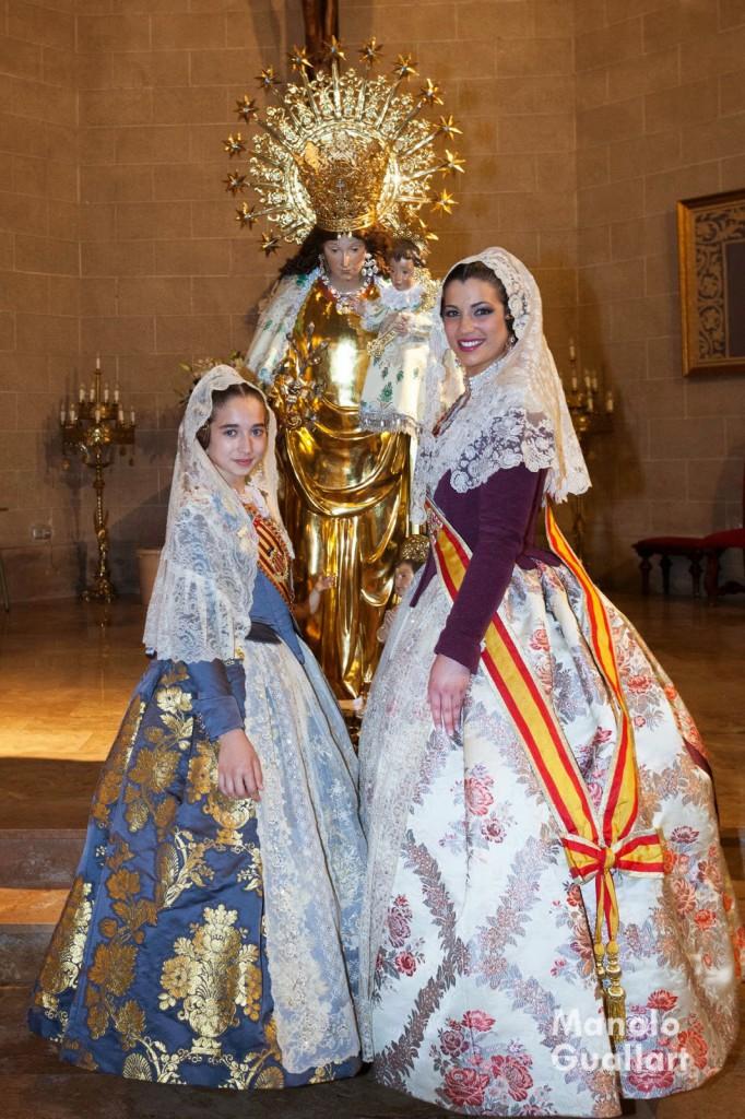 Las Falleras Mayores de Valencia 2015 tras el Besamano a la Virgen de los Desamparados.