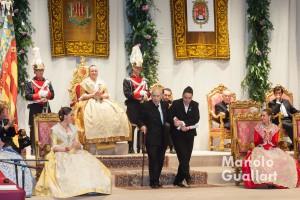 El canónigo de la Catedral de Valencia y músico, José Climent, recoge su premio. Foto de Manolo Guallart.
