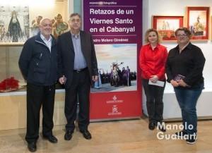 Francisco Carles, presidente de la Junta Mayor, con el artista Pedro Molero y responsables del museo. Foto de Manolo Guallart.