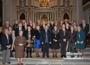 Representantes de los altares y de la Junta Central Vicentina presentes en el acto de La Eliana. Foto de Manolo Guallart.