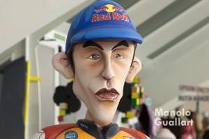 El campeón de Moto GP Marc Márquez y su mirada de ninot. Foto de Manolo Guallart.