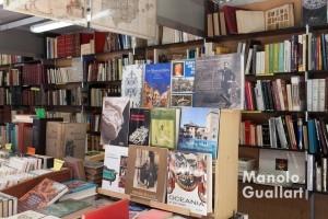 Libros antiguos y de ocasión. Foto de Manolo Guallart.