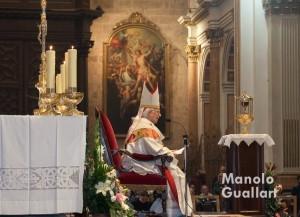 El cardenal Cañizares en su homilía. Jueves Santo en la Catedral de Valencia. Foto de Manolo Guallart.