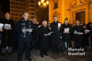 El cardenal Cañizares presidiendo el inicio del Via Crucis. Foto de Manolo Guallart.