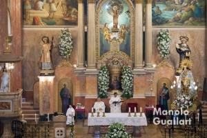 Misa concelebrada en la parroquia de los Santos Vicentes de Corbera con la Virgen. Foto de Manolo Guallart.