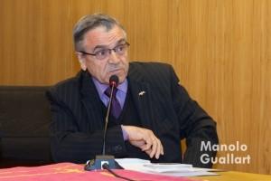 Joan A. Alapont (Lo Rat Penat) en la lectura del veredicto del Concurso de Milagros de San Vicente Ferrer. Foto de Manolo Guallart.