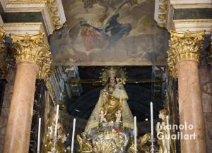 """""""Descoberta"""" de la Virgen de los Desamparados después del Besamano. Foto de Manolo Guallart."""