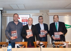 """Presentación del libro !Valencia Canalla"""" de Rafael Solaz en El Corte Inglés. Foto de Manolo Guallart."""