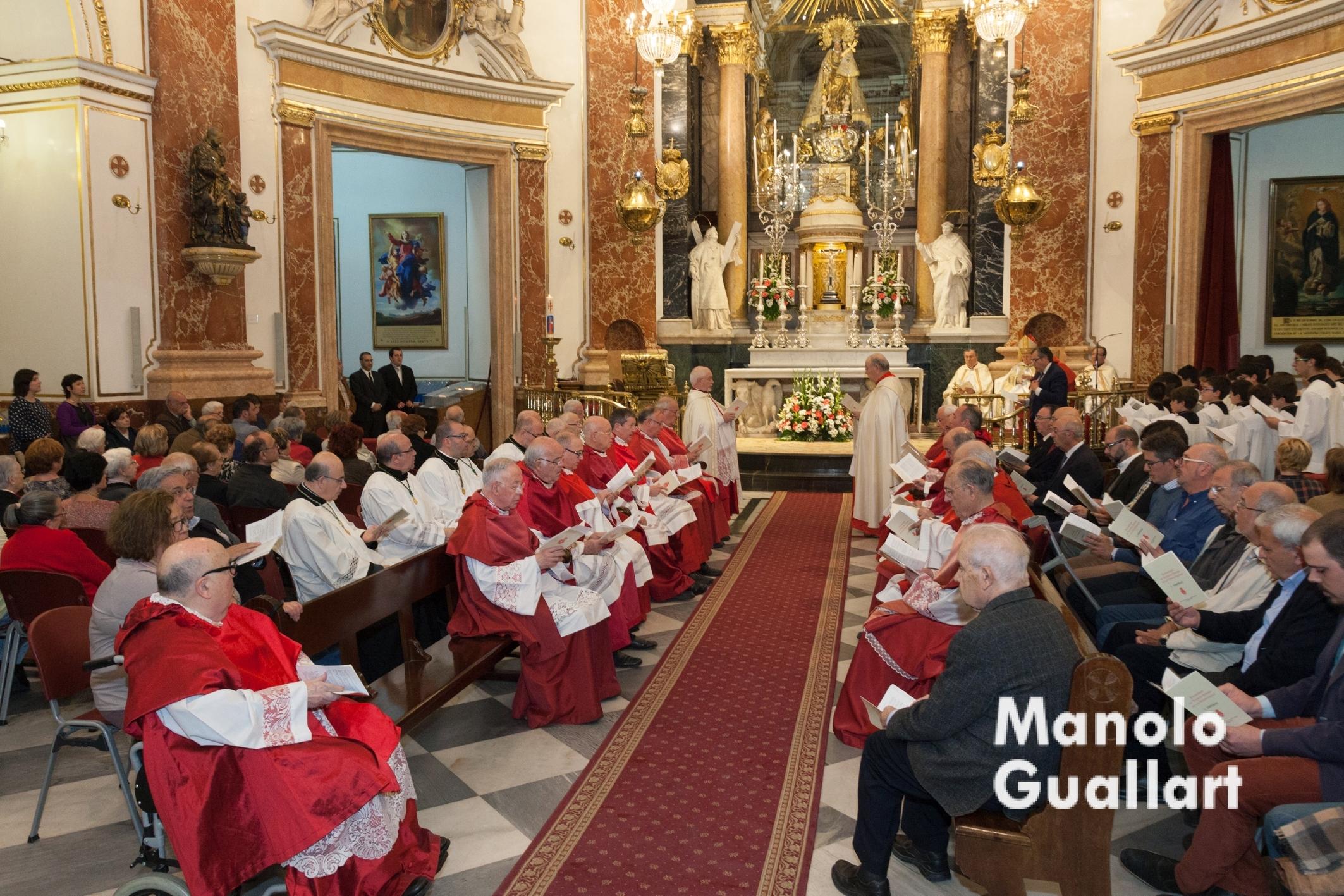 Vísperas Solemnes de la Virgen en su Basílica de Valencia. Foto de Manolo Guallart.