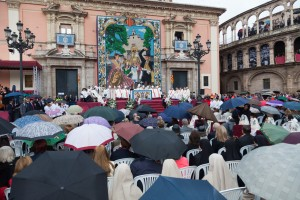 """Missa d´Infants"" en la plaza de la Virgen. Foto de Manolo Guallart."