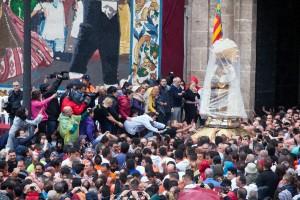 Inicio del Traslado de ma Mare de Déu desde la Basílica. Foto de Manolo Guallart.