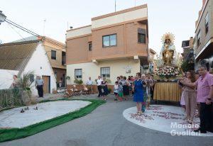 Original recreación de La Albufera en una calle de El Palmar en honor a la Virgen. Foto de Manolo Guallart.