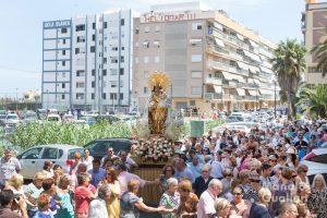 Llegada de la Virgen de los Desamparados a El Perellonet. Foto de Manolo Guallart.