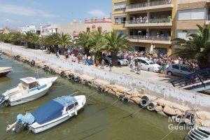 La Virgen pasa junto al canal de El Perellonet. Foto de Manolo Guallart.