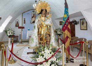 La Virgen de los Desamparados en la ermita de Nuestra Señora del Carmen en El Perellonet. Foto de Manolo Guallart.