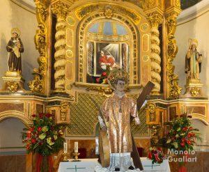 La imagen original de San Vicente Mártir de Benimámet tras ser bajada del altar mayor. Foto de Manolo Guallart.