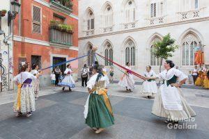 Ball de la Magrana en la procesión del Carmen (Grup de Dances de benifaió). Foto de Manolo Guallart.