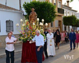 San Isidro en la procesión de las fiestas de San Roque en San Antonio de Benagéber. Foto de Vicente Almenar.