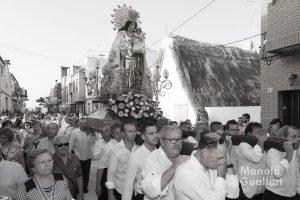 La Virgen de los Desamparados en su reciente visita a El Palmar. Foto de Manolo Guallart.