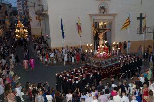 El Cristo de la Fe en su procesión de Alcàsser. Foto de Manolo Guallart.