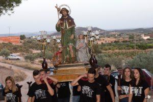 San Roque sobre los campos de Casinos. Foto de Manolo Guallart.