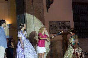 Encendido de la llama olímpica en el Ayuntamiento de Paterna. Foto de Manolo Guallart.
