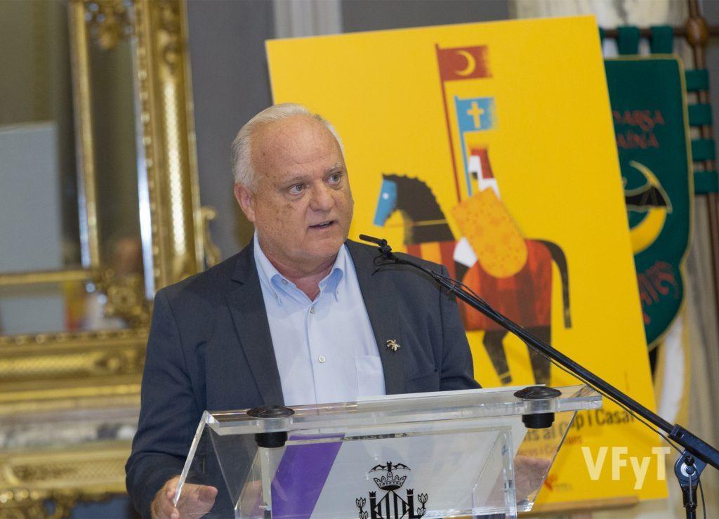 Rafael Solaz durante su Pregón de Moros y Cristianos. Foto de Manolo Guallart.