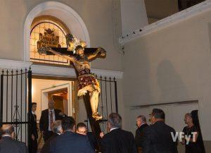Entrada de la imagen peregrina en la capilla del Rosario. Foto de Manolo Guallart.