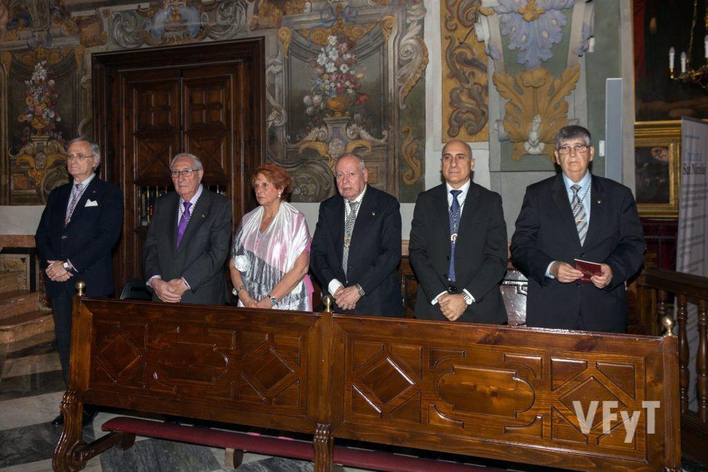Miembros de la directiva del Altar del Tossal en la celebración. Foto de Manolo Guallart.