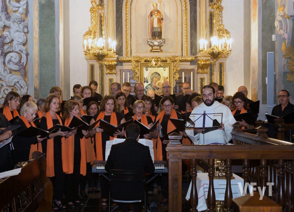 Coro del Colegio de Abogado, en el que participa habitualmente un dominico. Foto de Manolo Guallart.